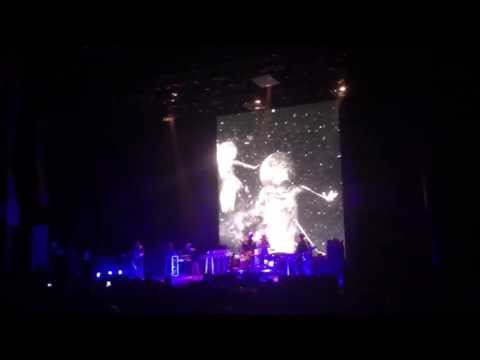 Queens of the Stone Age - Make It Wit Chu @ The Wiltern