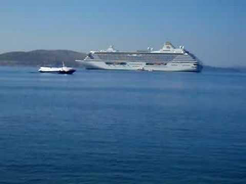 Huge Tourist Cruise in Saranda Albania 2008