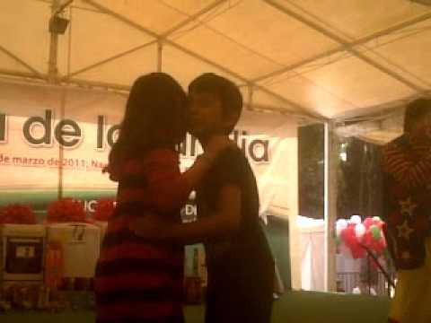 Primer beso a una niña