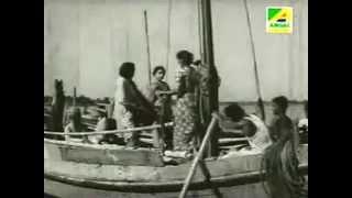 O Pare Tumi Radhe E Pare Ami Majhe Nodi Bohe Re  ওপারে তুমি রাধে এপারে আমি, মাঝে নদি বহেরে