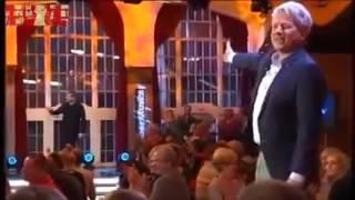 Genial!!! Volker Pispers Angela Merkel kann zaubern!!!