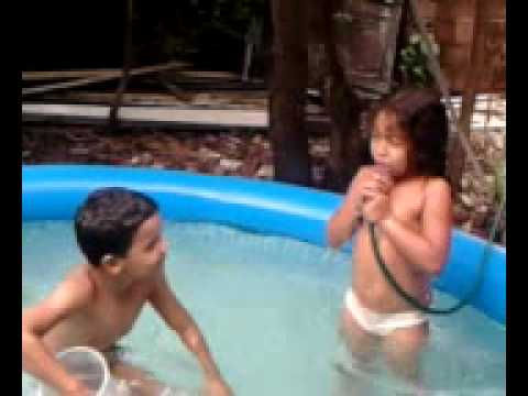 banho na piscina matheus e camila