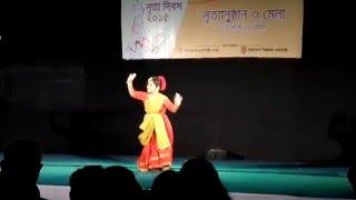 Nachoto Dekhi Amar Putul sona - Dance on song of Antara Chowdhury