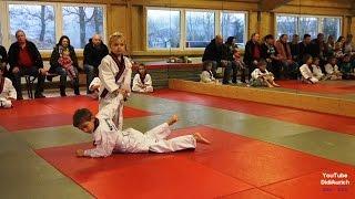 TAO Aurich Jonas Wallenstein Prüfung im Jiu Jitsu zum weiß-gelben Gürtel mit Partner Timon