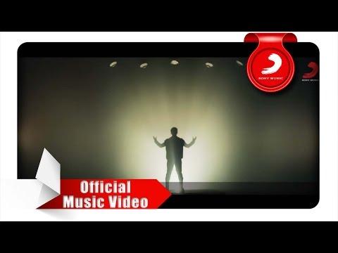 JUDIKA - Apakah Ini Cinta (Official Music Video)