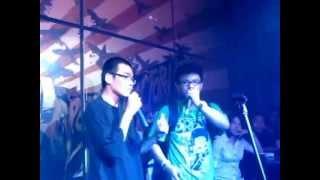 [Live] Người Ngoài Cuộc - Karik ft. Wowy