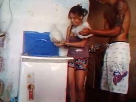 Lavando Roupa com Minha Esposa