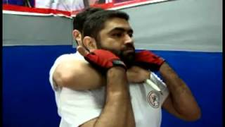 دفاع شخصی وضعت خطرناک چاقو روی گردن  از پشت سرتوسط استاد(شیهان) سید عباس آل صادق