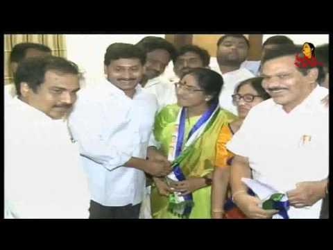 Xxx Mp4 Rajahmundry TDP Leader Vijaya Laxmi Joins In YSRCP Party Vanitha News Vanitha TV 3gp Sex