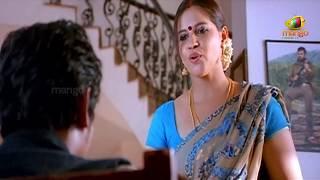 Jeeva looking at an aunty | Simham Puli Movie Scenes | Santhanam, Divya Spandana, Honey Rose