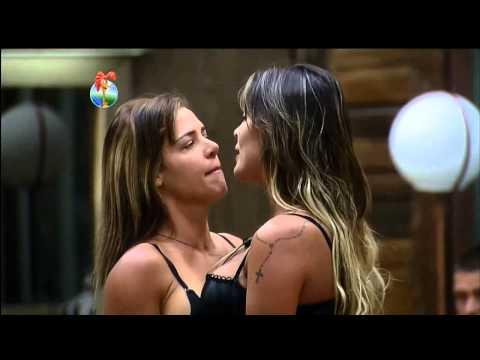 Briga de Andressa e Denise na Fazenda 6 - 12/09/2013