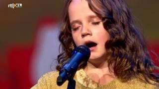 Amira (9) verbijstert iedereen met opera - HOLLAND