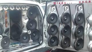 los mejores autos con musica y tuning.wmv