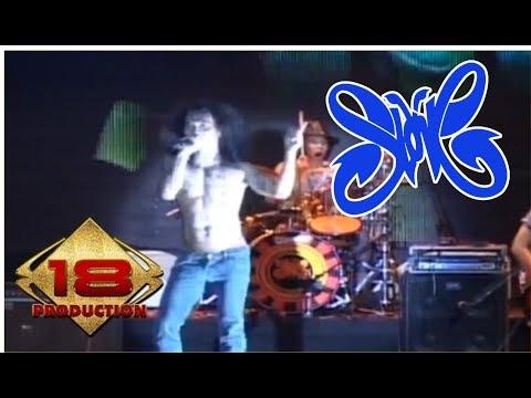 "GOKIL PENAMPILAN "" SLANK "" - AKU GILA (Live Konser 1000 Bands United)"