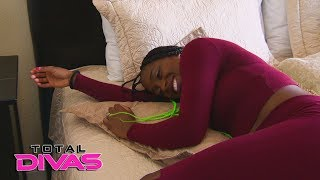 Naomi is hesitant to tell Jimmy Uso she's not feeling well: Total Divas, Jan. 24, 2018