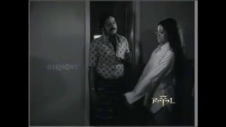 Old Hot Malayalam Actress Seema Wet and Sexy thigh Show