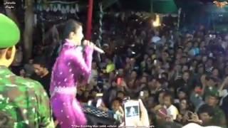 Dewi Persik Goyang Gelek Indramayu (Part 2)
