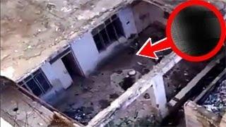 رجل ترك منزله 30 سنة مهجورة عند تصوير باب المنزل من الاعلى تظهر مفاجأة !!