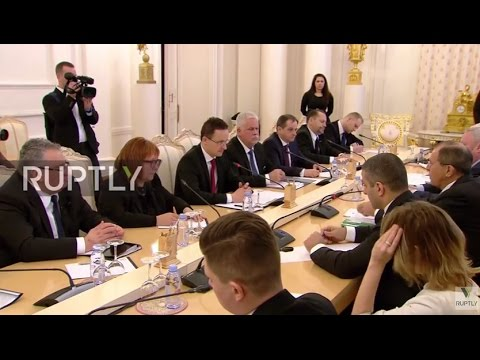 Russia: Hungarian FM and Lavrov discuss boosting trade ties in Moscow