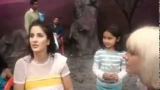 Katrina Kaif On sets of De Dana Dan [KKF Exclusive]