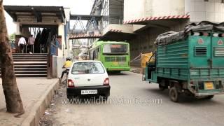 Traffic passing through Jahangir Puri metro station
