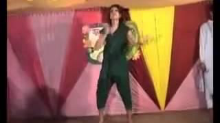 Mahiya Mahi hot Dance in Uttara before come in film industry at  Chikni Chameli  hindi song