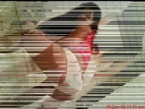 Mulher Gostosa dançando funk de calcinha.