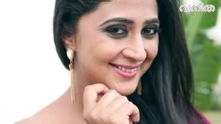 Sizzling Kaniha in Vanitha Cover Shoot Video