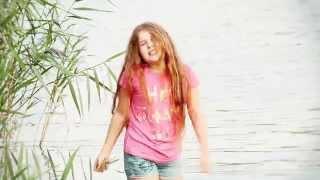 Larissa Felber - Pack die Badehose ein