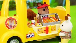 Carrito de hot dogs de Calico Critters - Videos de juguetes en español con unboxing y review