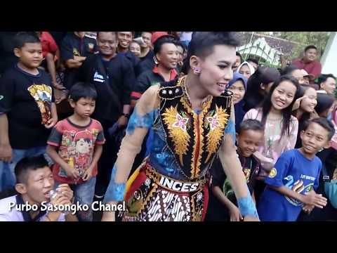 TAWURAN JATIL WARIA vs Bujangganong pertunjukan Reog Ponorogo kisruh