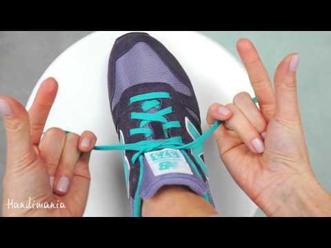 Tie a Shoelace in 2 Seconds