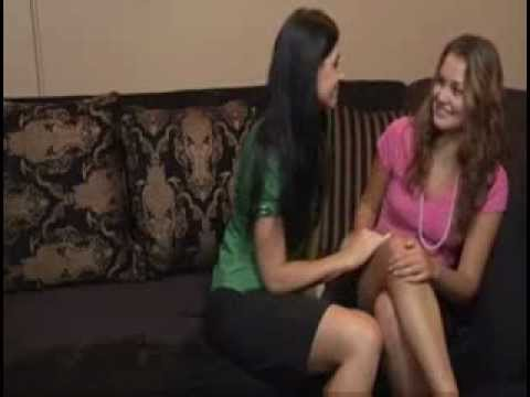 Naughty Aunty Seducing Young Girl Lesbs