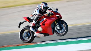 2018 Ducati Panigale V4 Review - Behind the Scenes Part 2