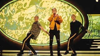 Noah Gerstenfeld sjunger Fan va bra i Idol 2017 - Idol Sverige (TV4)