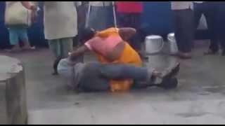 Shemale Fight with a Guy At Railway Station