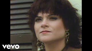 Rosanne Cash - Blue Moon With Heartache (Video)