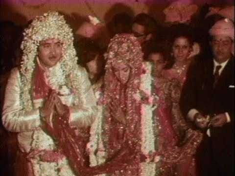 Xxx Mp4 Randhir Kapoor And Babita Wedding Ceremony 1971 Rare Video 3gp Sex