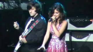 Selena Gomez Round & Round Live at Concert For Hope March 20 2011