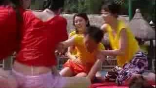 TVB - 鐵甲無敵獎門人 - 節目精華 - 眾嘉賓狼死推對方落水(TVB Channel)
