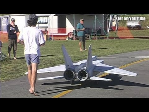The world s largest Mig 25 RC Scale model airplane the test flight