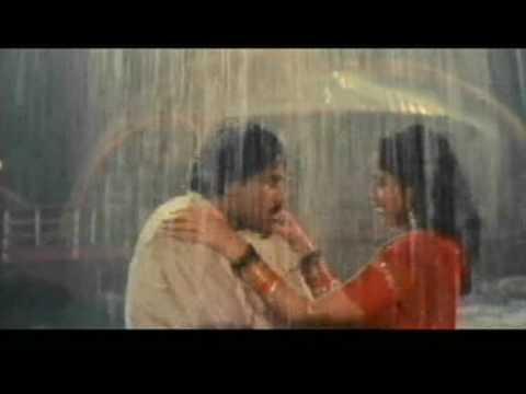 vijayashanti hot rain song frm GANGLEADER