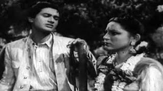 Meri Aayi Hain Teen Bhabhiyan - Amirbai Karnataki, Zohrabai - HUM EK HAIN - Dev Anand, Durga Khote