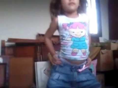 criança dançando funk 2013