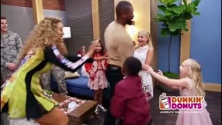 Tyra Banks Having a BLAST Backstage With The Contestants | America