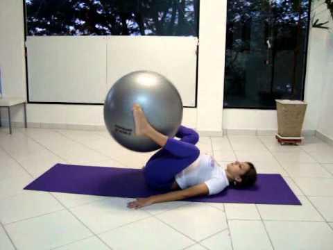 Pilates com bola Sthefani Lara