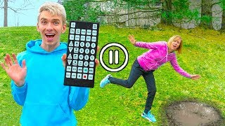 ULTIMATE PAUSE CHALLENGE on MOM SHARER for 24 HOURS!! (Control My Life Game Master Remote)