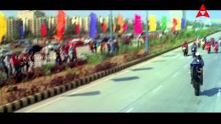 Nagarjuna Bike Racing Scene    Super Movie    Nagarjuna, Ayesha Takia, Anushka