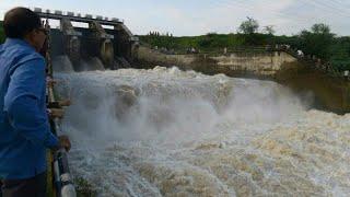 NARMADA DAM OPEN THE GATES TO RELEASE THE WATER IN GUJARA T2017