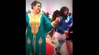رقص في الأعراس